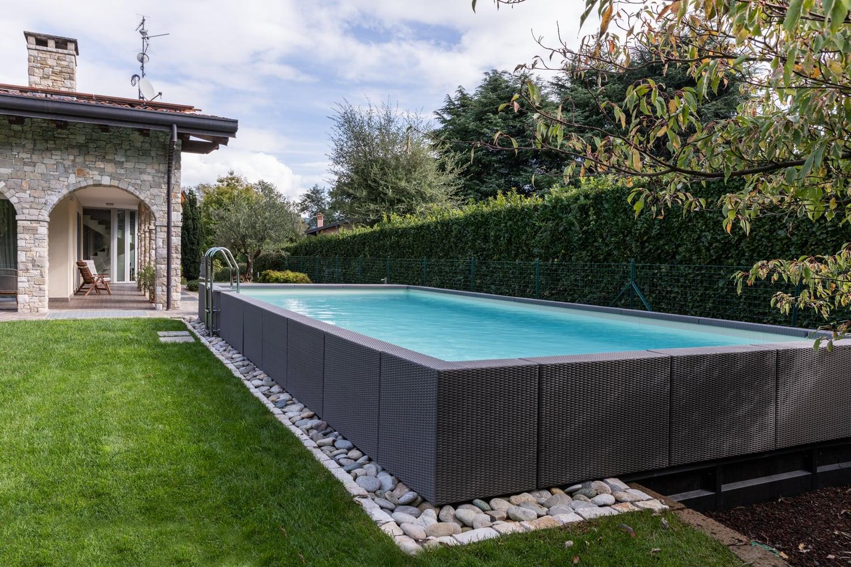 Sanificare periodicamente la piscina è fondamentale